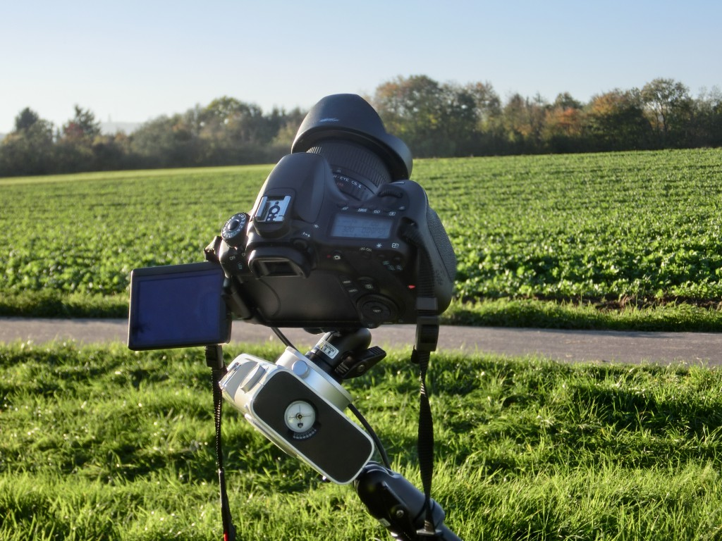 Spiegelreflexkamera mit einem 8mm Fisheye-Objektiv auf Vixen Polarie Startracker.