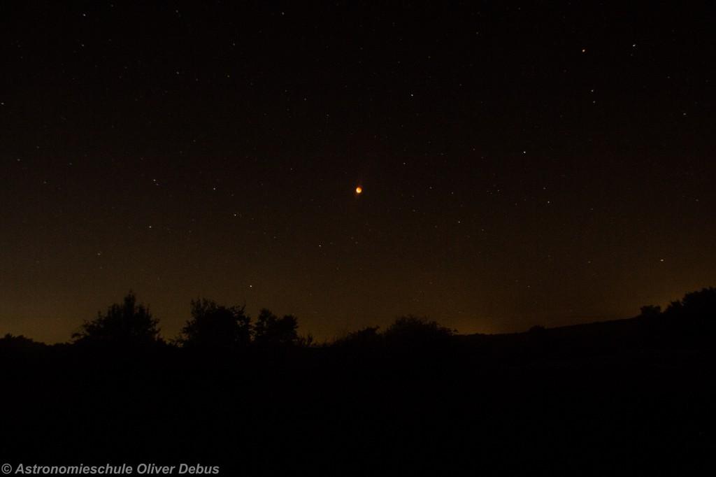 Roter Mond über dem Taunus.